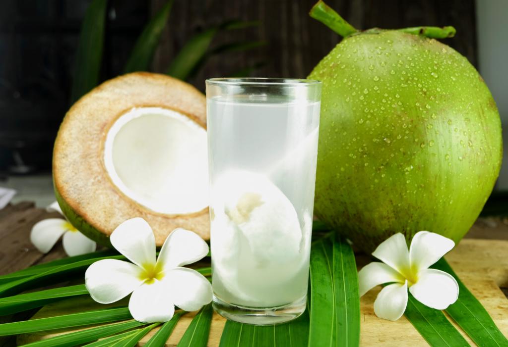 khasiat air kelapa untuk bumil